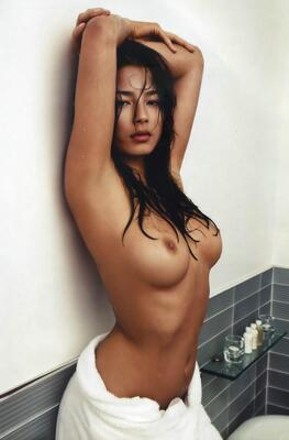 Photo catégorisée avec : Skinny, Brunette, Boobs, Celebrity - Star, Jessica Gomes