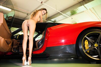 Photo catégorisée avec : Watch4Beauty, Blonde, Ferrari, It would be a ride, Katya Clover - Mango A